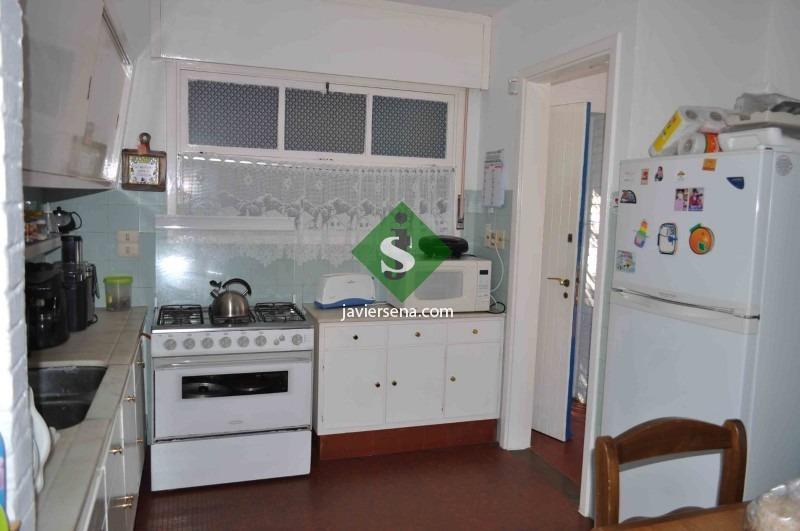 alquiler de casa frente al mar, zona brava, 3 dormitorios, 2 baños, linda zona. - ref: 44013