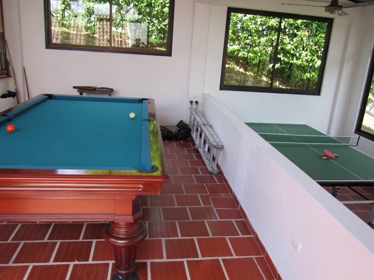 alquiler de  casa-quinta  en condominio hacienda la estancia