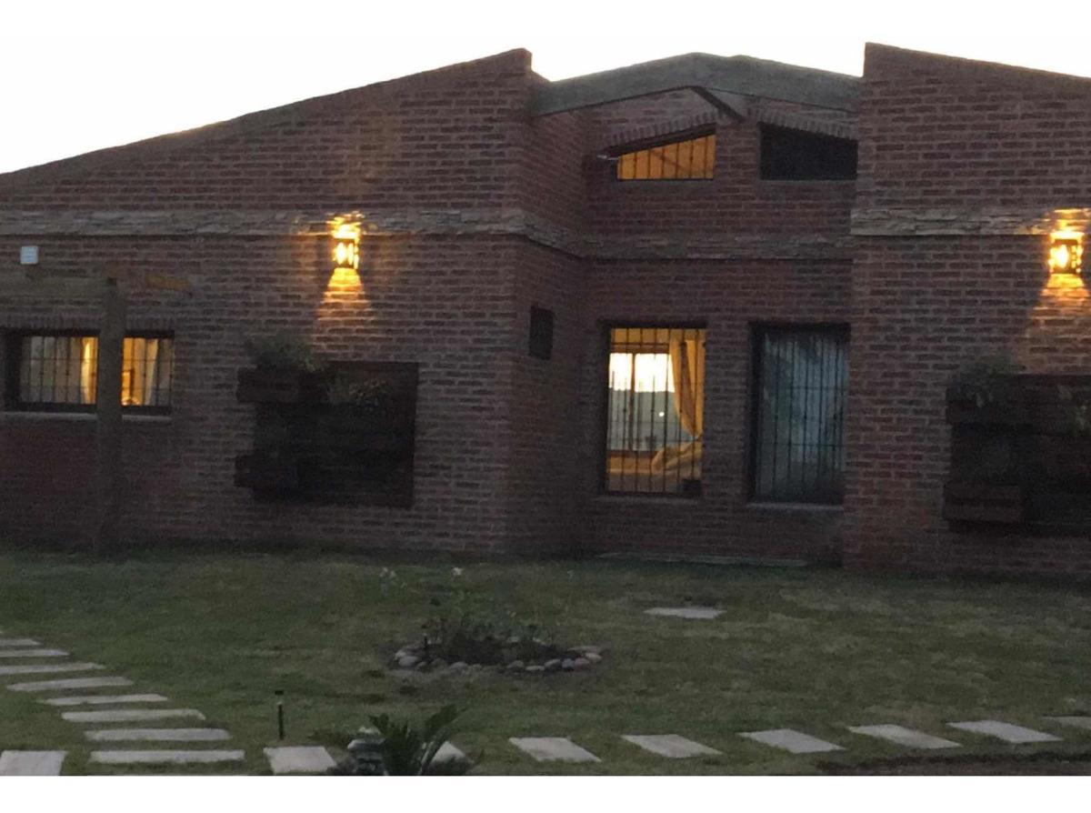 alquiler de casas en punta colorada, complejo el remanso