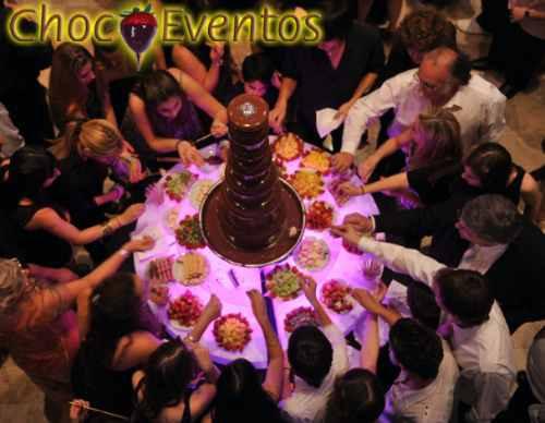 alquiler de cascadas de chocolates y  personalizados !!
