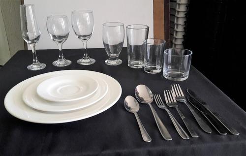 alquiler de cavas juego de cubiertos platos vasos y copas.