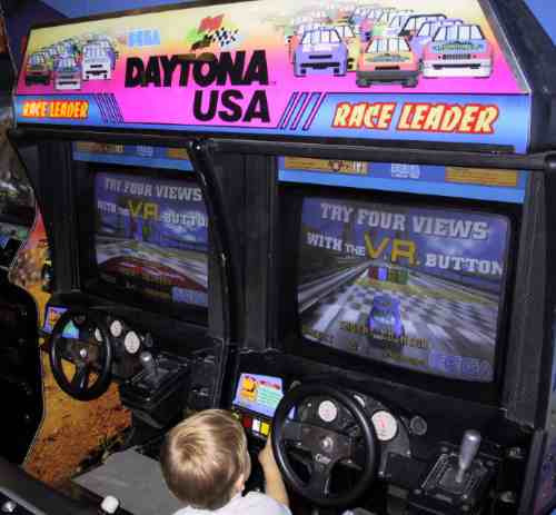 alquiler de daytona arcade maquina de baile flipper inflable