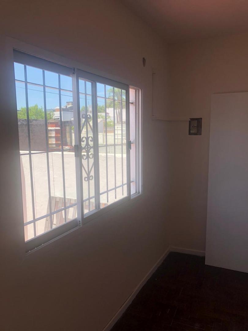 alquiler de departamento tipo casa de 2 ambientes