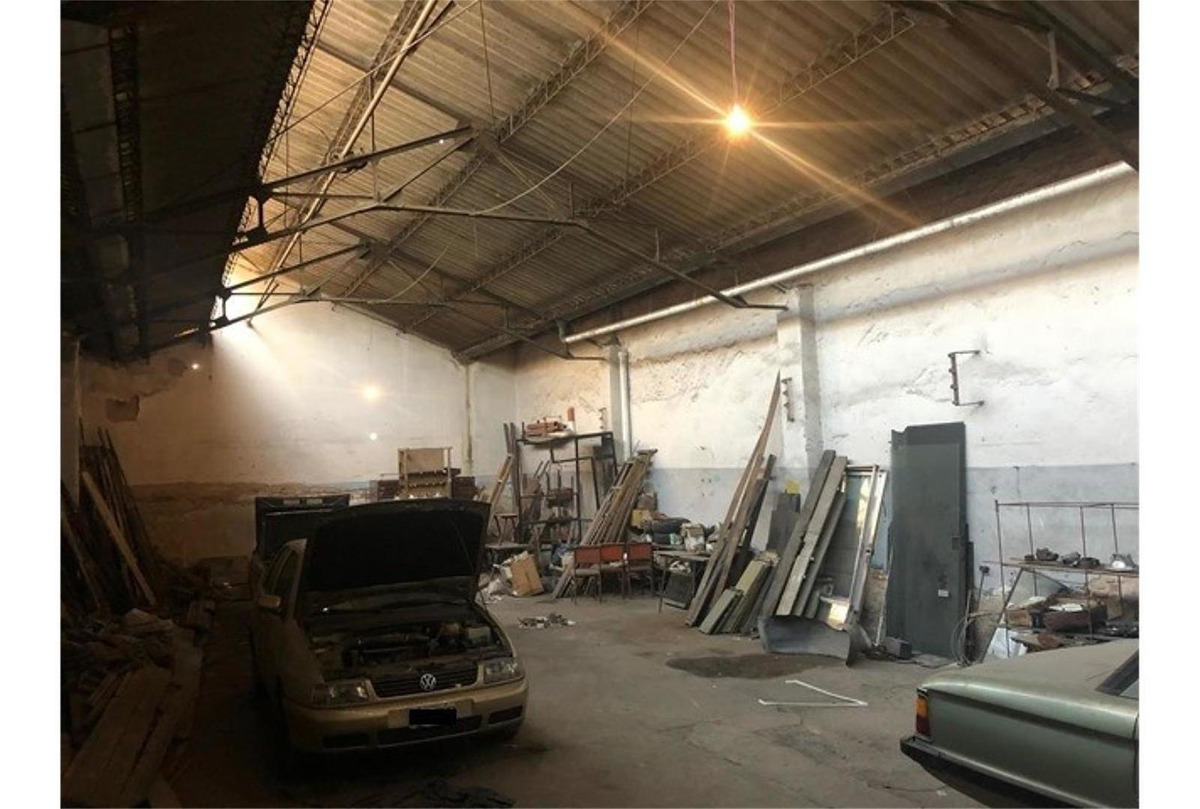 alquiler de depósito de 250 m2