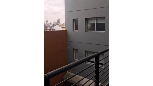 alquiler de depto 1 mb c/balcon todo luz