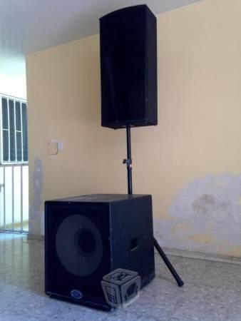 alquiler de equipo de audio con micrófonos inalámbricos