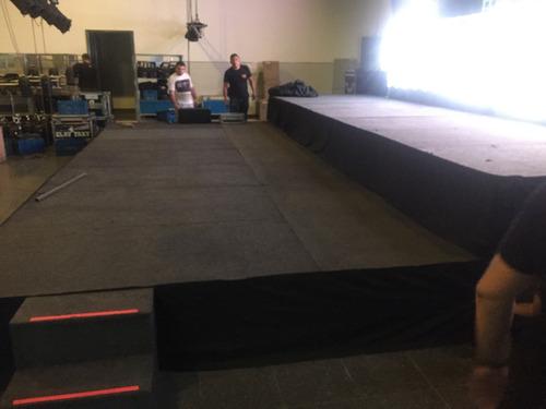 alquiler de escenarios y tarimas modulares