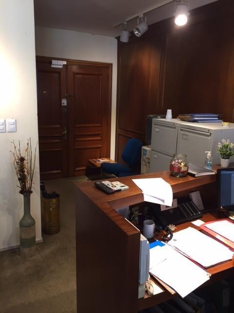 alquiler de espectacular oficina  en plaza matriz