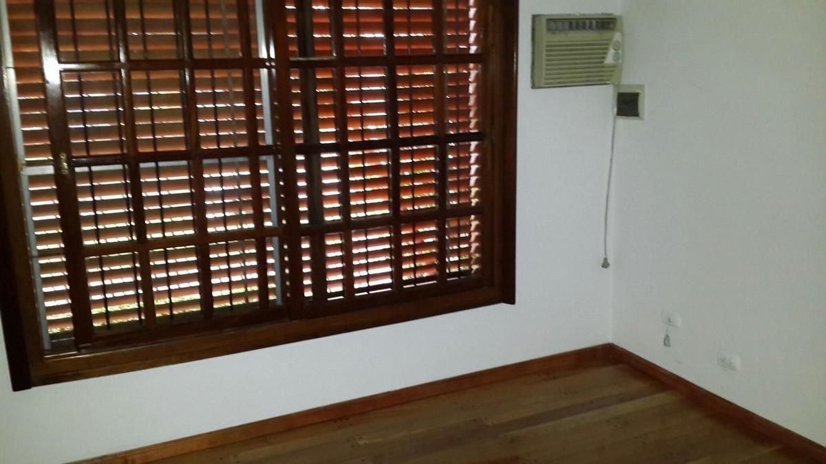 alquiler de estupenda casa en s. a. de padua, calle mitre