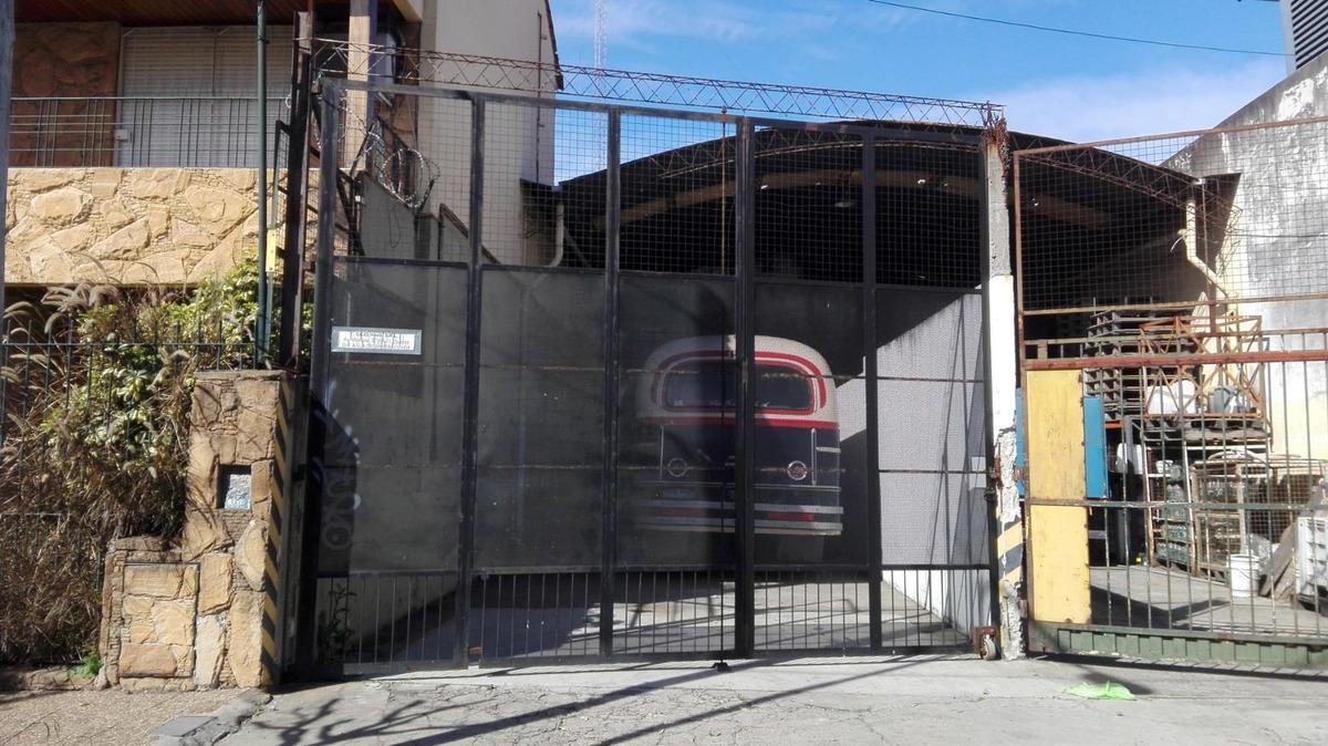 alquiler de galpón industrial de 300 m2, salida a dos calles
