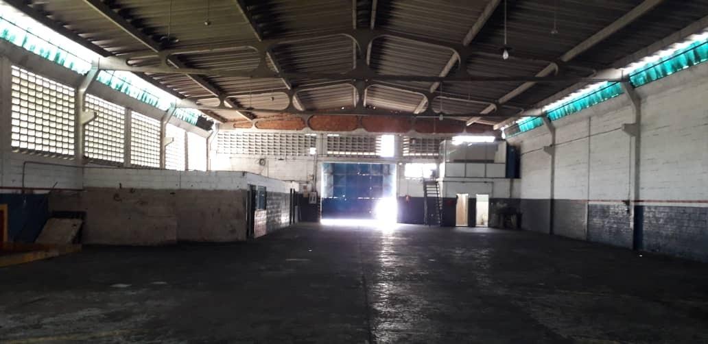 alquiler de galpón zona industrial carabobo, 700m2-500m2 pat