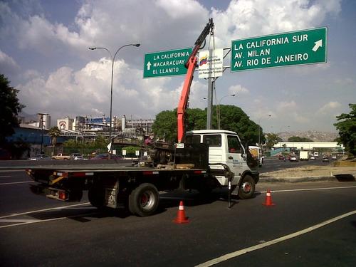 alquiler de grúa hidráulica articulada sobre camión
