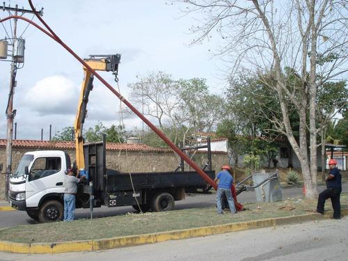 alquiler de grúas  tipo pitman articulada sobre camión
