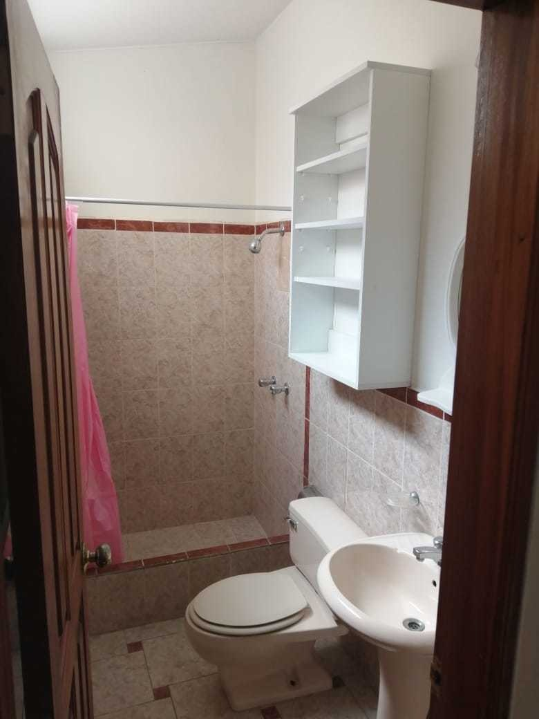 alquiler de habitación con baño independiente - roommate