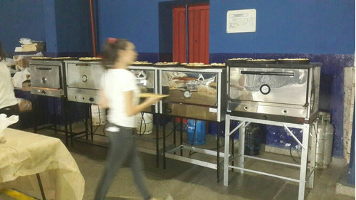 alquiler de hornos pizzeros de gas env. gazebos y living.