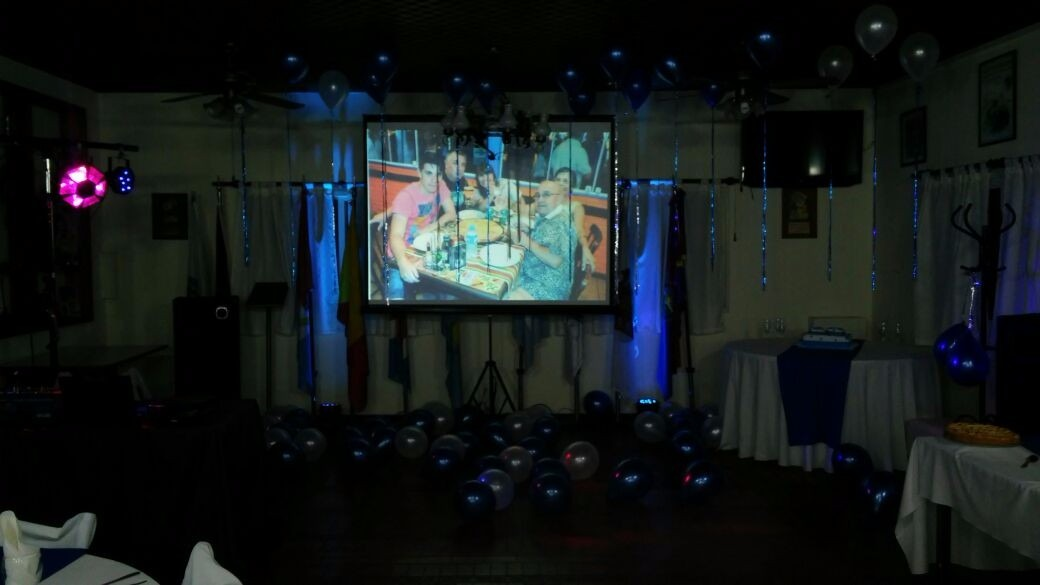 Alquiler De Karaoke Sonido Pantalla Gigante Proyector