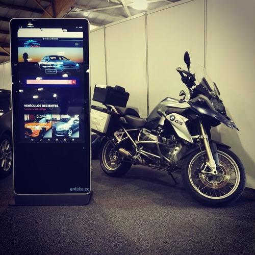 alquiler de kioskos y pantallas. digital y interactivo.