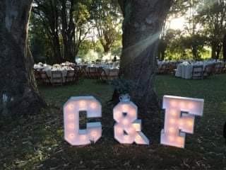 alquiler de letras luminosas