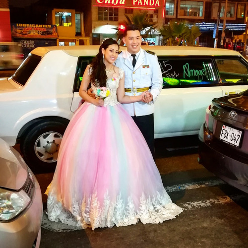 alquiler de limosinas limusinas bodas 15 años fiesta promoci