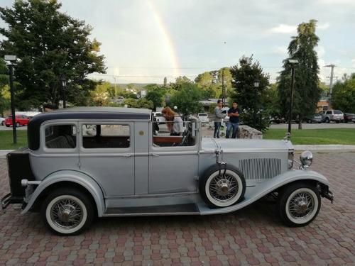 alquiler de limousina y coches antiguos para eventos