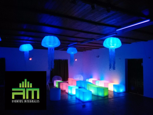 alquiler de living luminoso - cubos - cilindros - macetas -