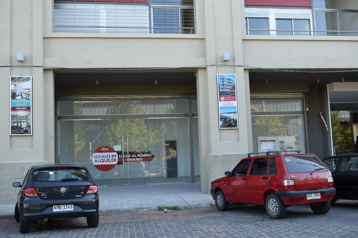 alquiler de local comercial en altos del libertador c 065