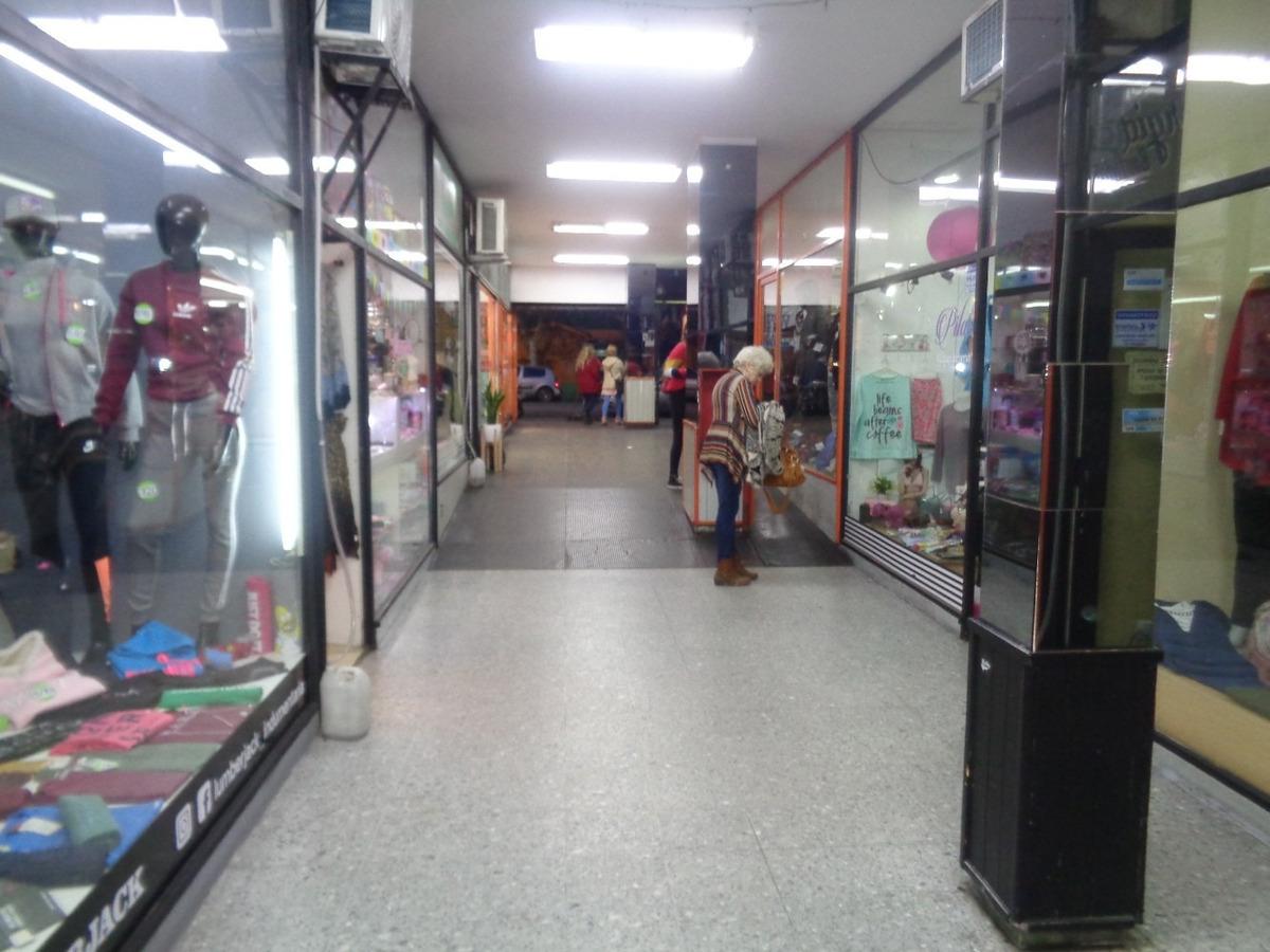 alquiler de local en burzaco centro comercial frente ff.cc.