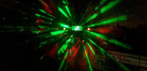 alquiler de luces y humo para tu fiesta.