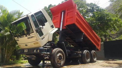 alquiler de maquina retroexcavadora camión martillo escombro