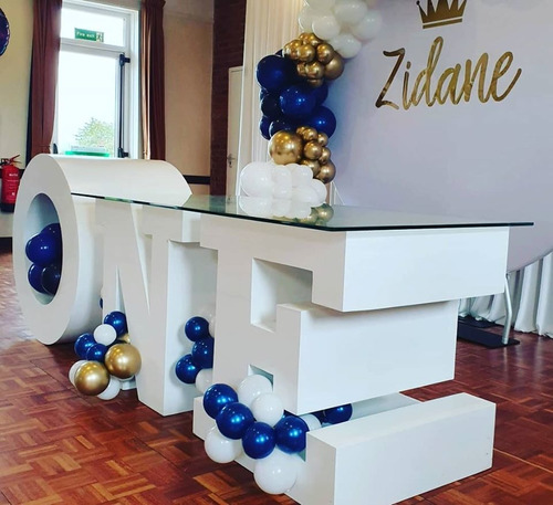 alquiler de mesa personalizadas con letras 3d - one