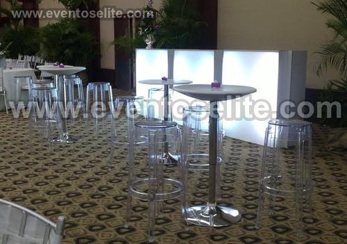 alquiler de mesas de vidrio, sillas acrílicas, puff