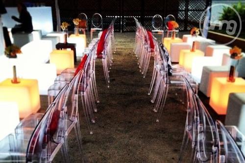 alquiler de mesas iluminadas, sillas acrílicas, cubos led.