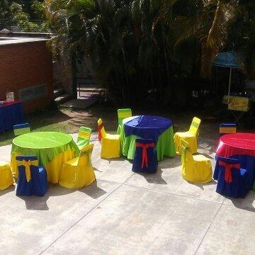 alquiler de mesas sillas palet toldos mesoneros