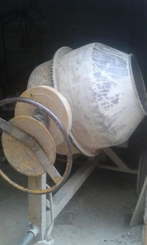 alquiler de mescladora concreto a gasolina
