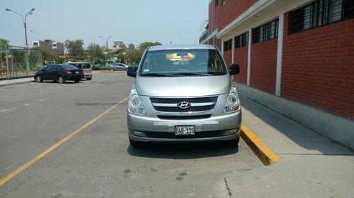 alquiler de mini van con chofer  // 946537791 -- 981003179