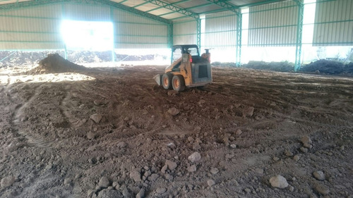alquiler de minicargadora, tosca, arena, piedra partida