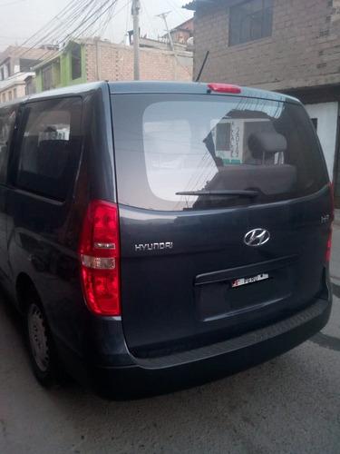 alquiler de minivan hyundai
