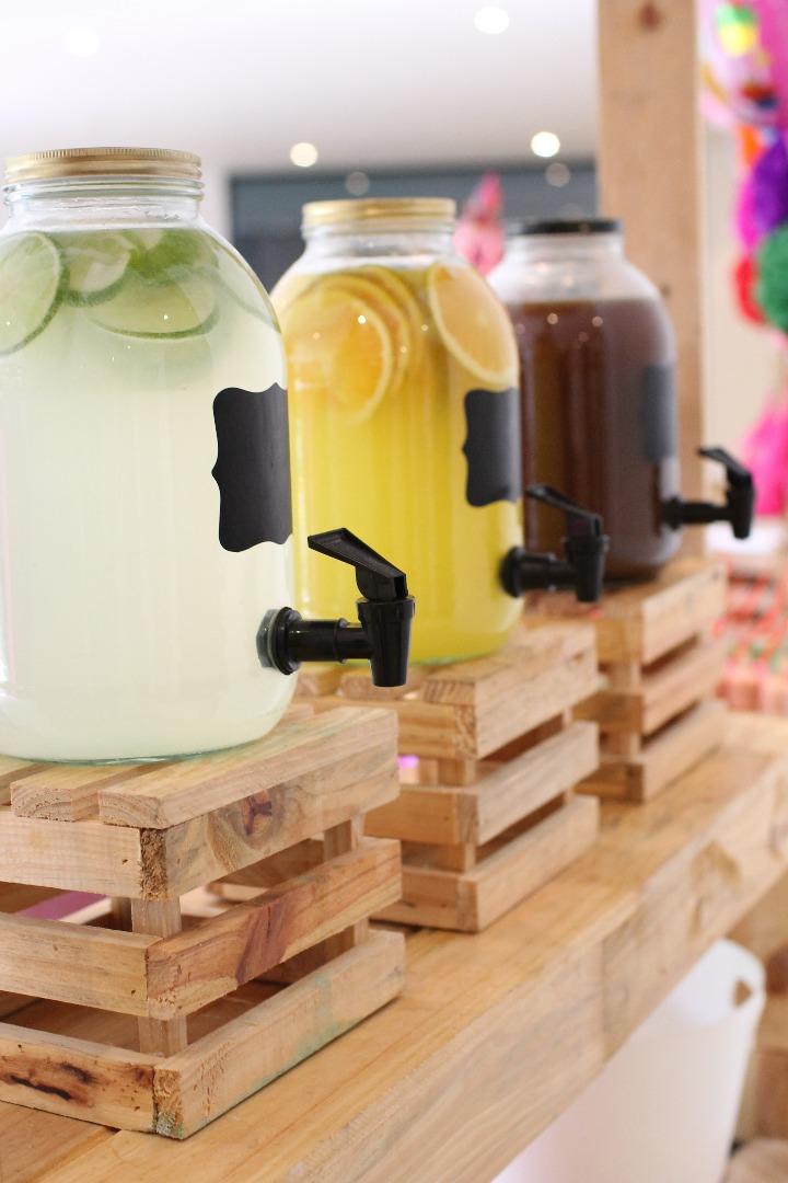 Alquiler De Mobiliario De Palets Para Candy Bar En Mercado Libre - Mobiliario-con-palets