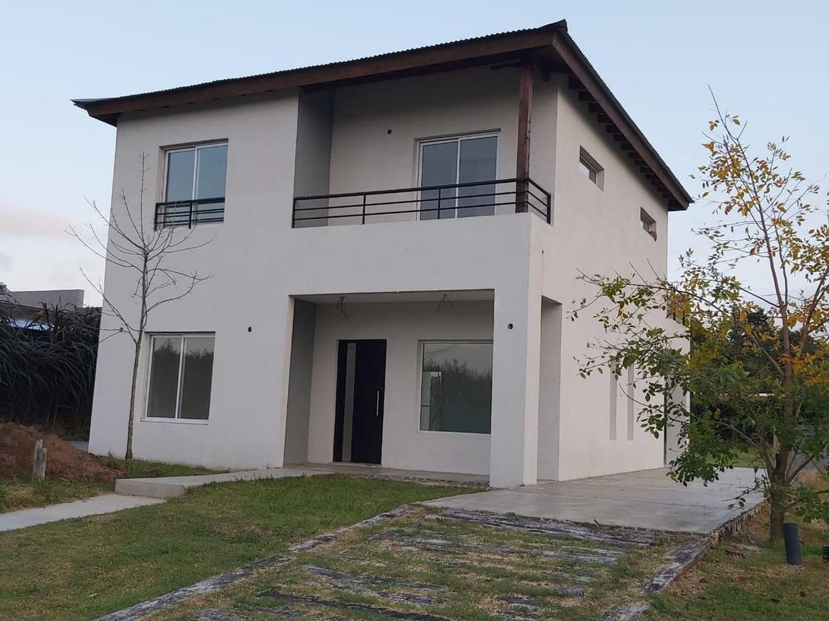 alquiler de moderna casa 4 ambientes en barrio el aljibe, ma