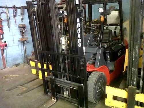 alquiler de montacargas 2.5 ton.cap. dual, con/sideshifter