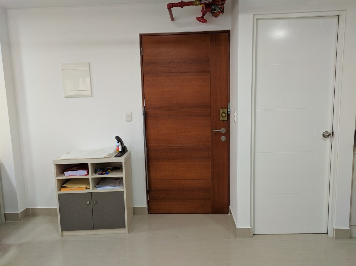 alquiler de oficina / consultorio 29m2, av arenales 1245