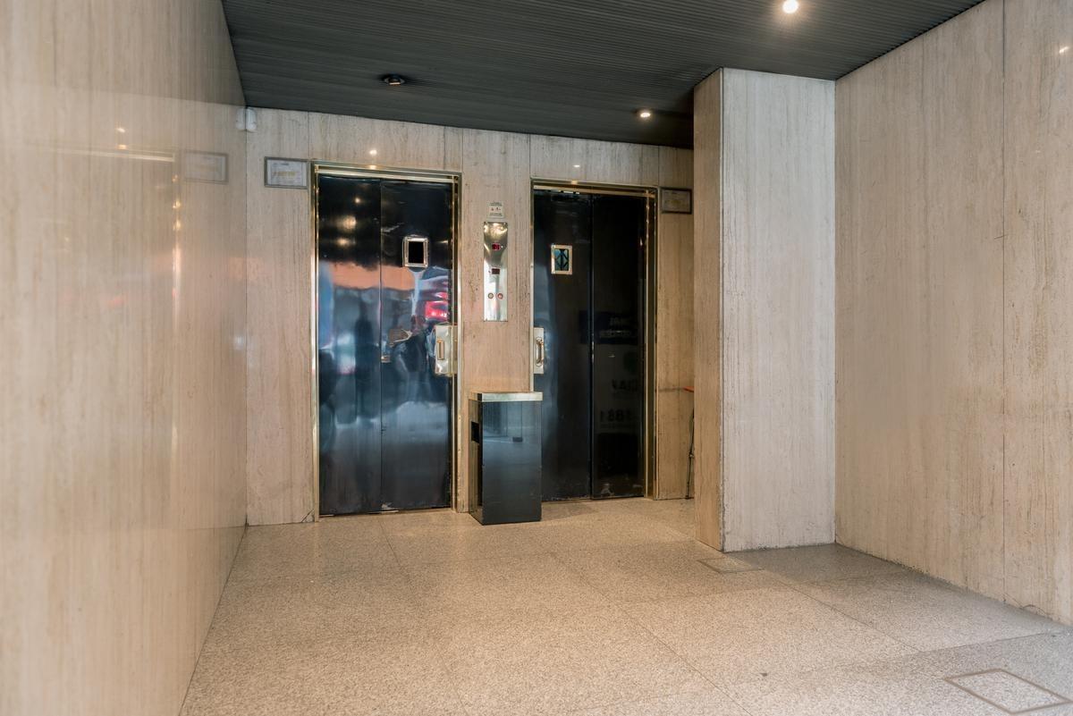 alquiler de oficina de 70 m2 en lavalle al 2300