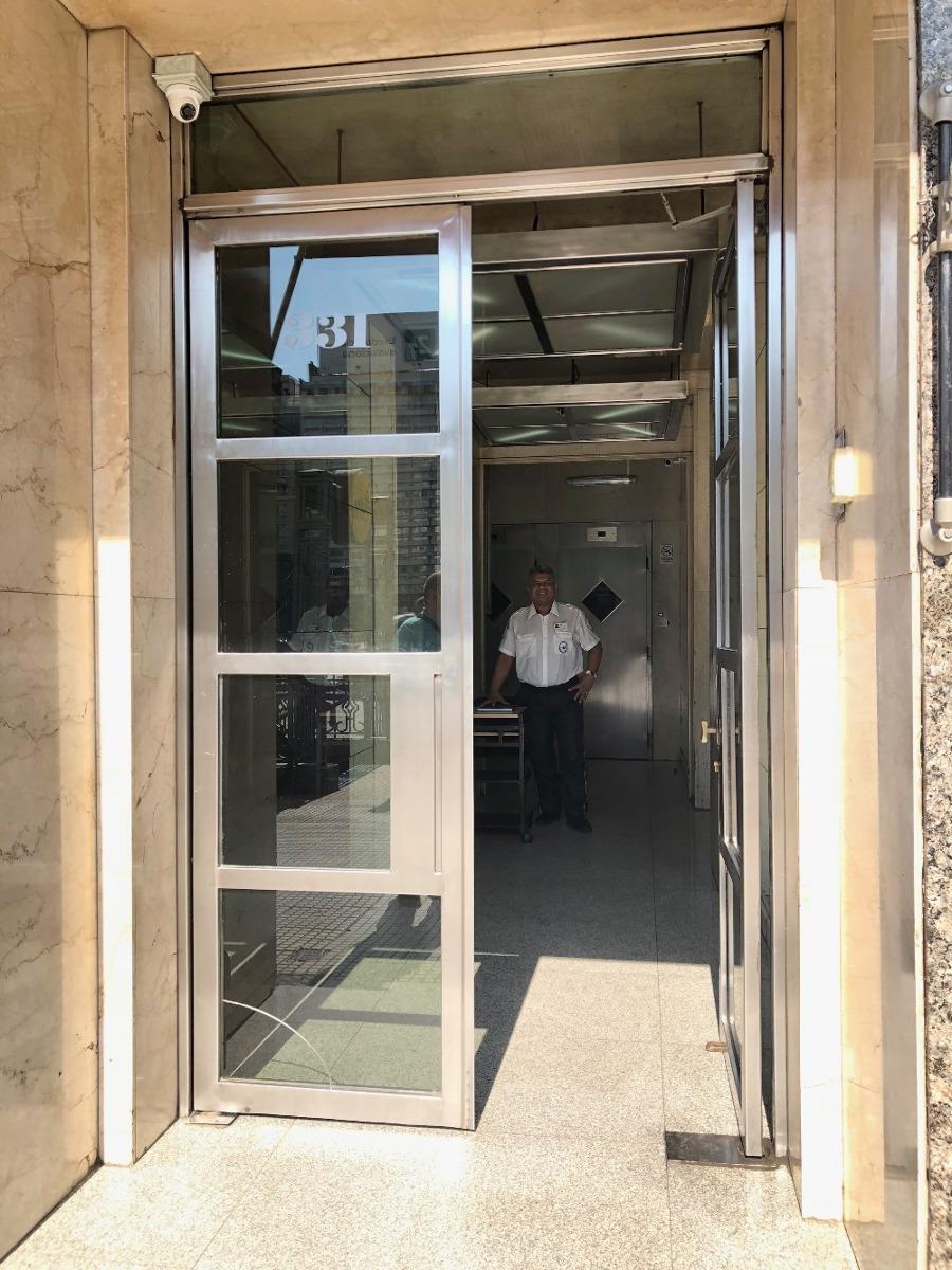 alquiler de oficinas. 100 m2  frente al obelisco