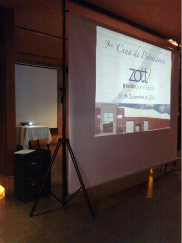 alquiler de pantalla/proyector sonido mics karaoke promos !