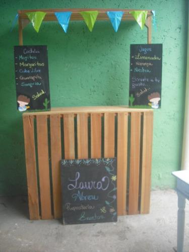 alquiler de parabanes y estación de bebidas