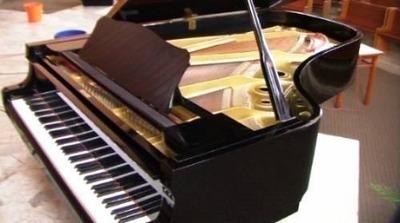 alquiler de piano de concierto yamaha modelo c7 227 cms