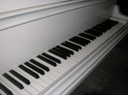 alquiler de pianos- para fiestas, cumpleaños-conciertos.