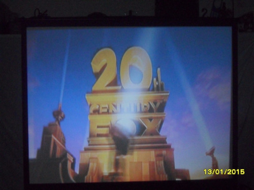 alquiler de proyector y pantalla 24 hs