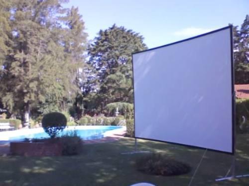 alquiler de proyector y pantalla gigante fotografia eventos