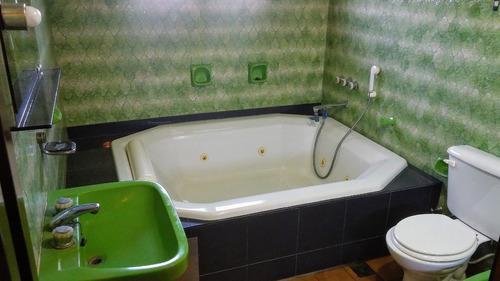alquiler de quinta 12 personas, 4 baños, pileta